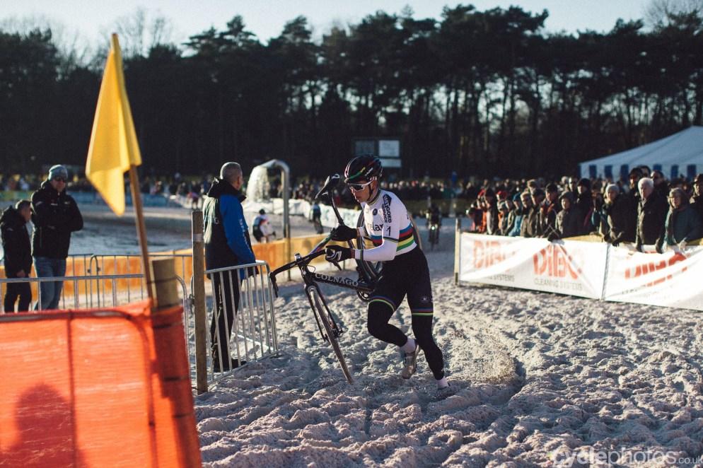 2016-cyclocross-zilvermeercross-mol-152543-wout-van-aert